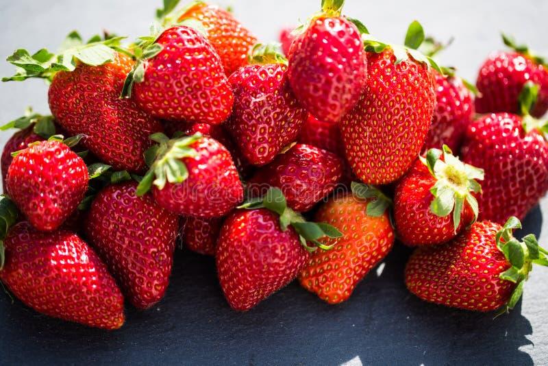 Fresas frescas, tiro macro fotos de archivo libres de regalías