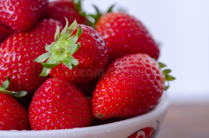 Fresas rojas frescas maduras foto de archivo libre de regalías