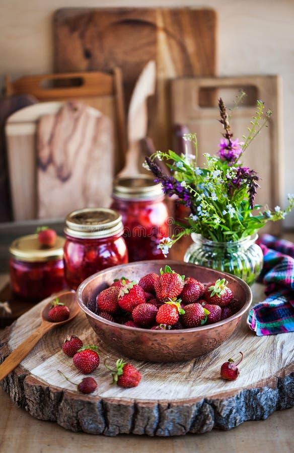 Fresca fresa madura de fresa orgánica fotografía de archivo
