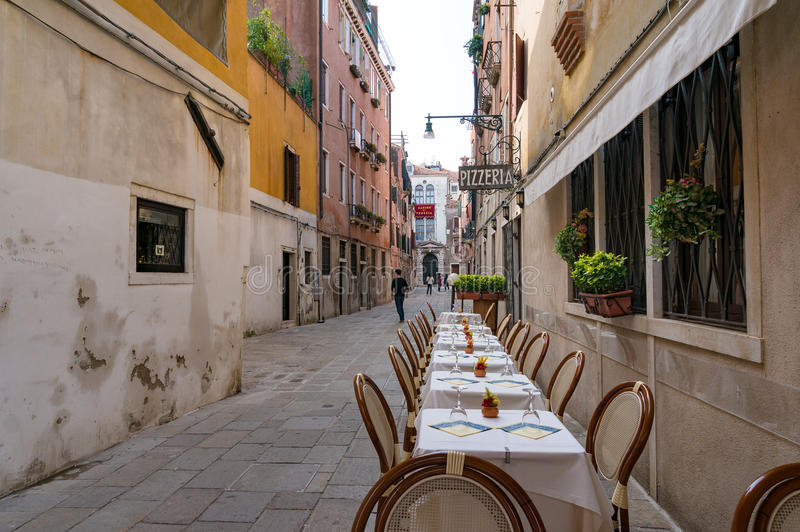 Fresco del Al que cena el ajuste en Venecia fotografía de archivo