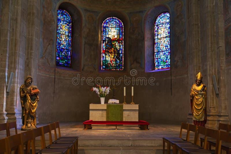 Fresco e estátuas antigos dentro da catedral de Brunsvique no Br imagem de stock royalty free