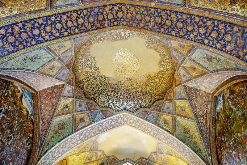 Fresco velho no palácio Chehel Sotoun imagens de stock royalty free