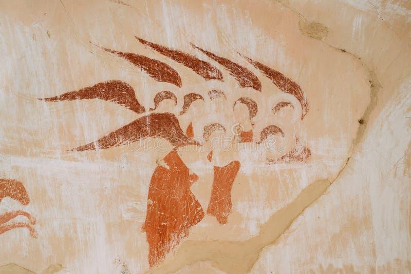 Frescos antiguos en paredes de cuevas de David Gareja Monastery Complex imágenes de archivo libres de regalías