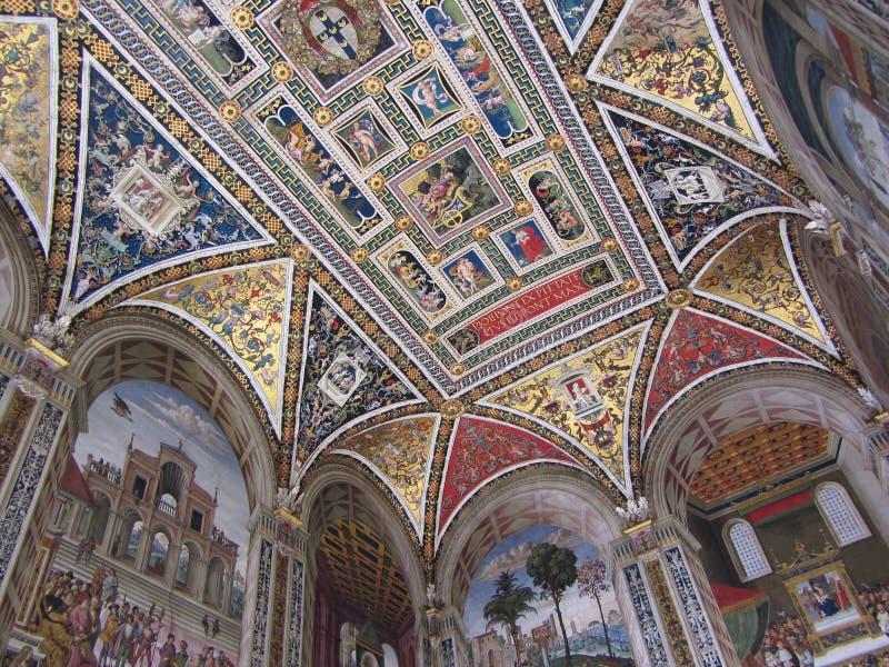 Frescos de la biblioteca de Piccolomini en Siena fotos de archivo libres de regalías