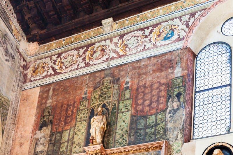 Frescos en Chiesa di San Fermo Maggiore fotos de archivo libres de regalías