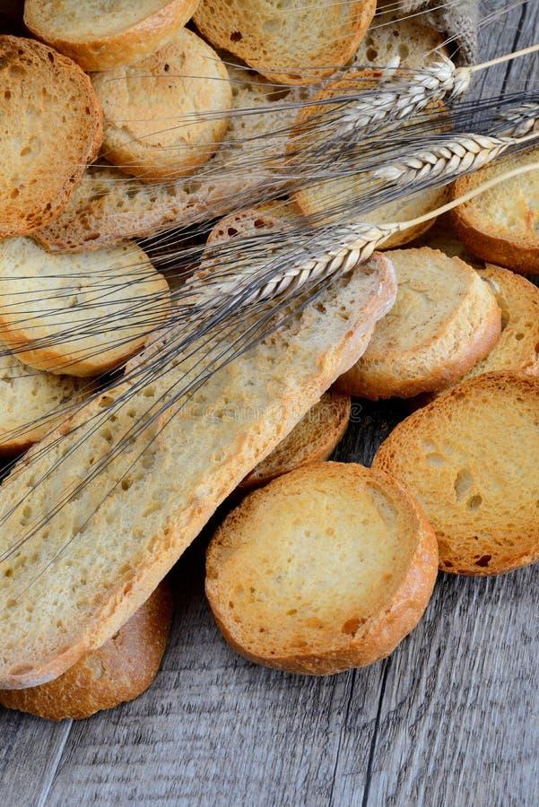 Freselle van brood in zak stock afbeeldingen