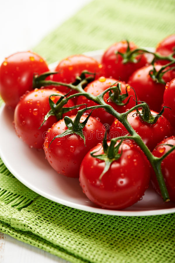 Download Fresh Cherry Tomatoes On The Vine Stock Image - Image: 21900431