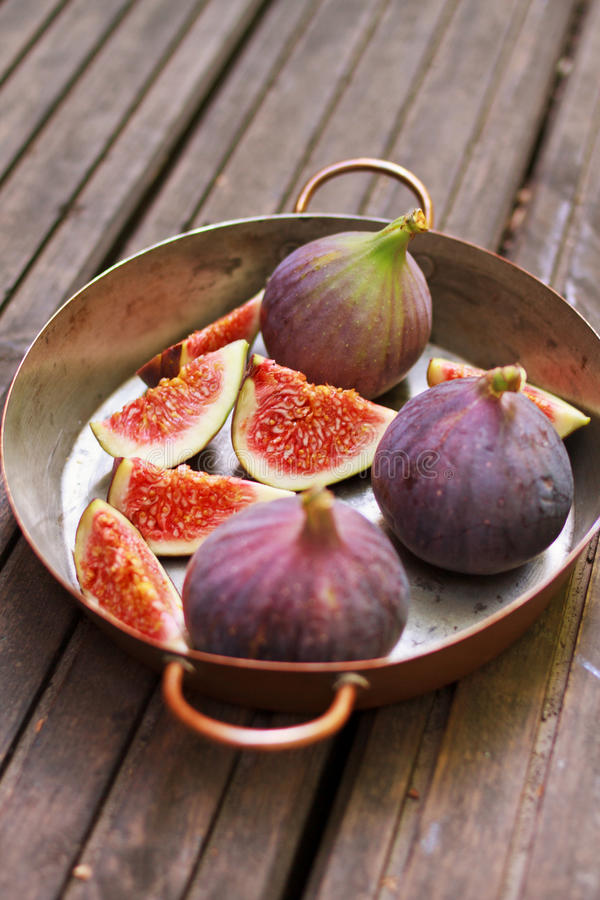 Free Fresh Figs Royalty Free Stock Image - 26620966