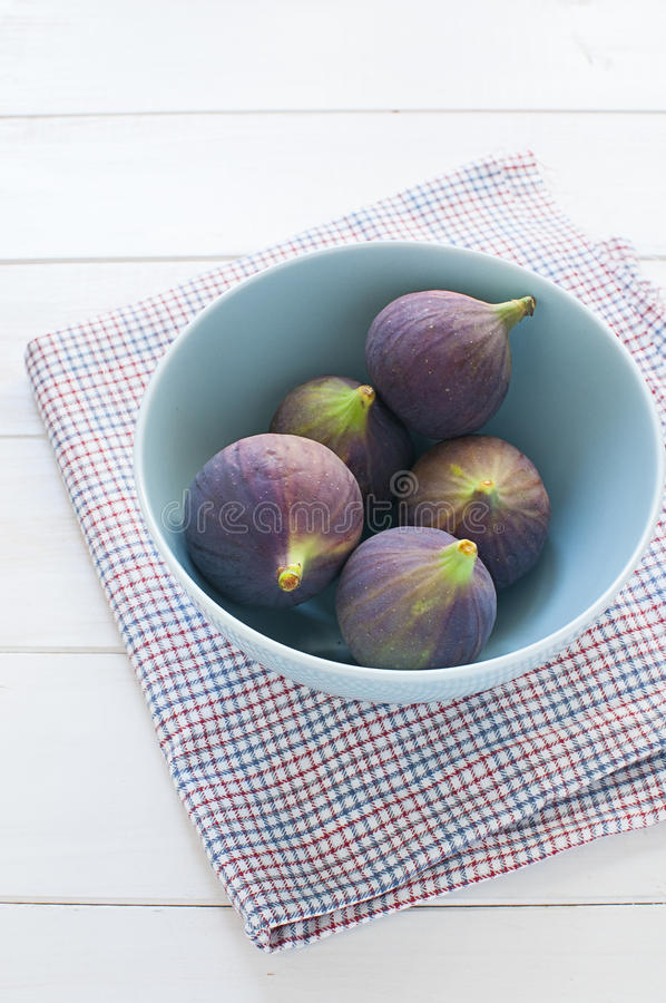 Download Fresh Figs In Turquoise Bowl Stock Photo - Image of cloth, wooden: 27237828
