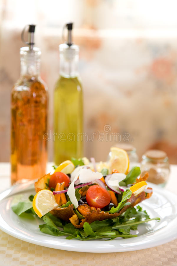 Fresh Green Salad With Mussels And Tomatoes Stock Photos