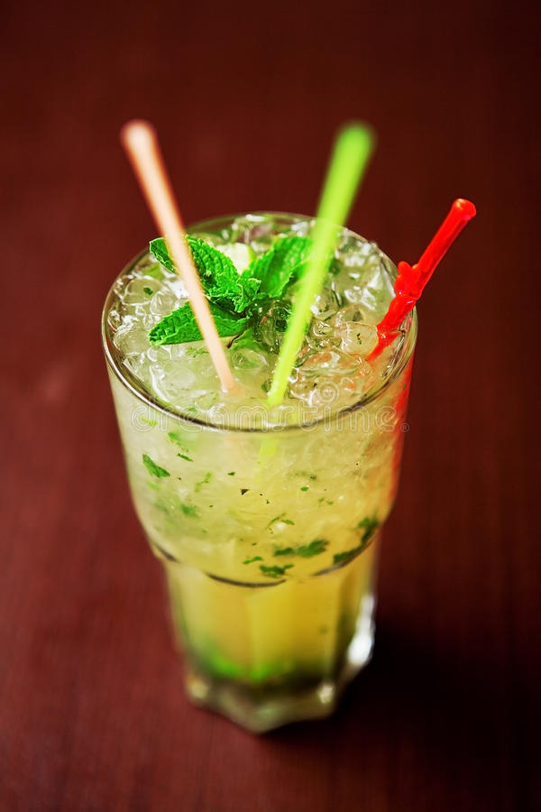 Free Fresh Mojito Cocktail Stock Images - 19050344