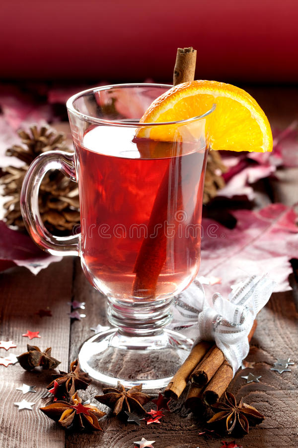Free Fresh Mulled Wine For Christmas Royalty Free Stock Photos - 17017938