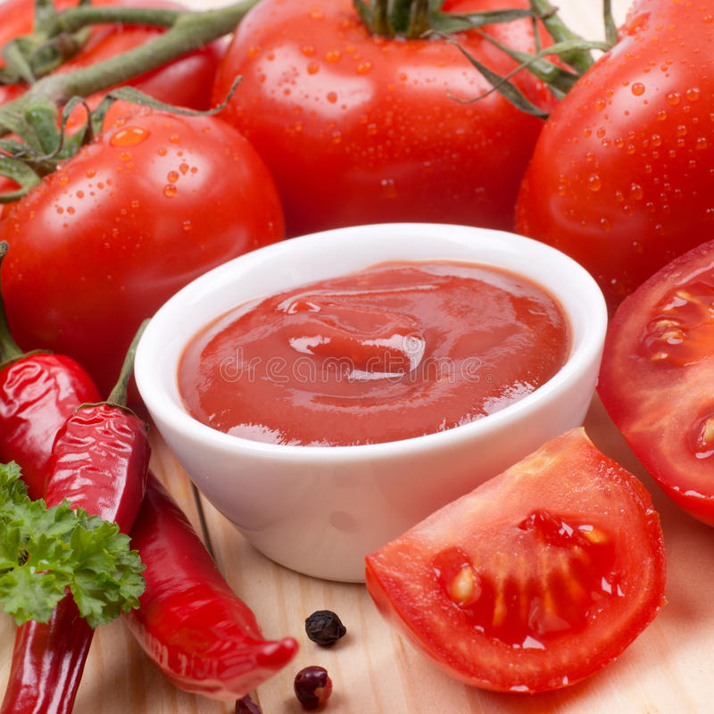 Free Fresh Tomato Ketchup Stock Images - 30127324
