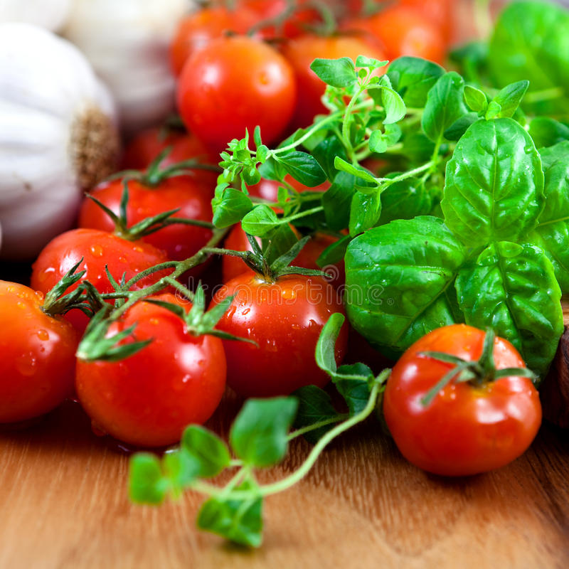 Free Fresh Tomatoes,herbs And Garlic Stock Images - 13170854