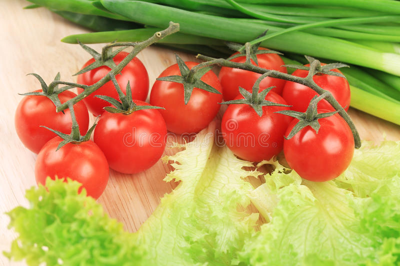 Download Fresh Vegetables On Cutting Board. Stock Image - Image: 41530035