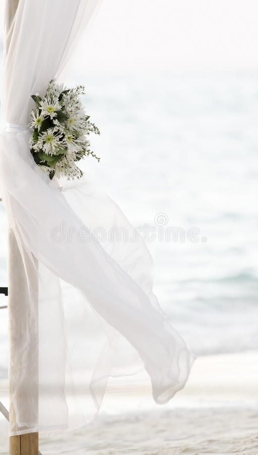 Download Fresh White Flowers As Wedding Decoration On Beach Royalty Free Stock Photo - Image: 28157235