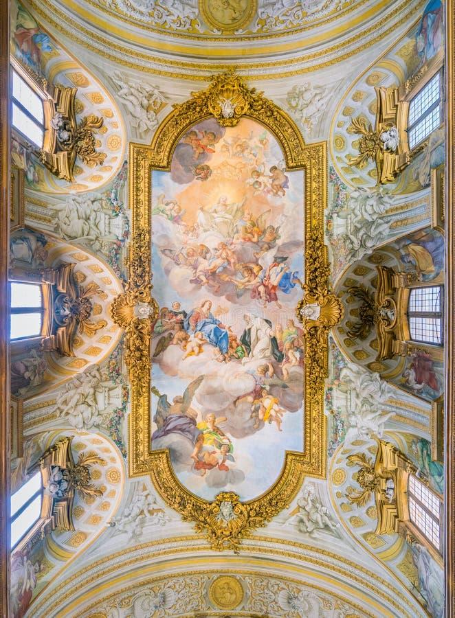 Freskomålning`-apoteos av helgonCatherine ` i kyrkan av Santa Caterina da Siena en Magnapoli av Luigi Garzi italy rome royaltyfri bild