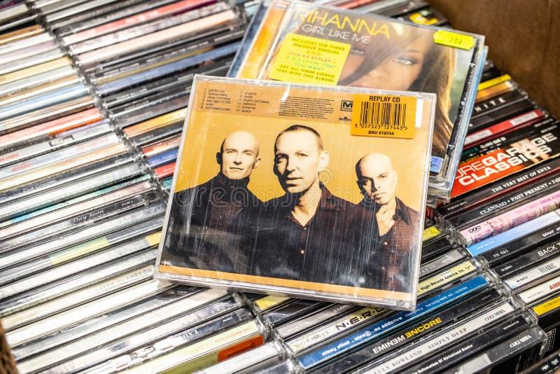Fresque 1997 d'album de CD de M People sur l'affichage ? vendre, bande anglaise c?l?bre de musique de danse, photographie stock libre de droits
