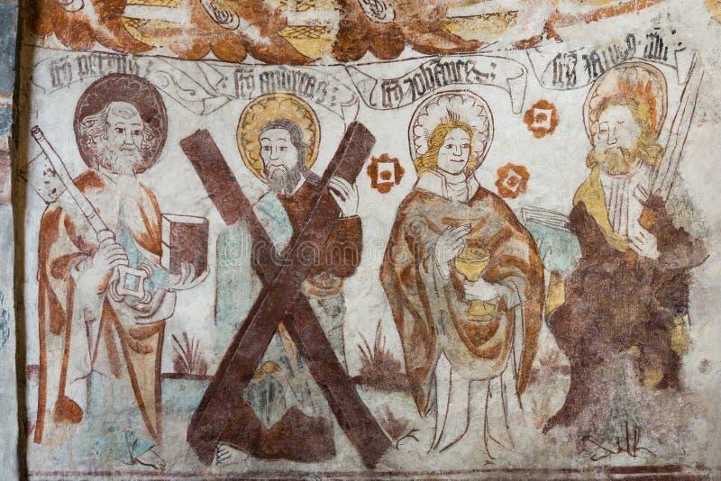 Fresque médiéval de quatre apôtres dans une église suédoise images libres de droits