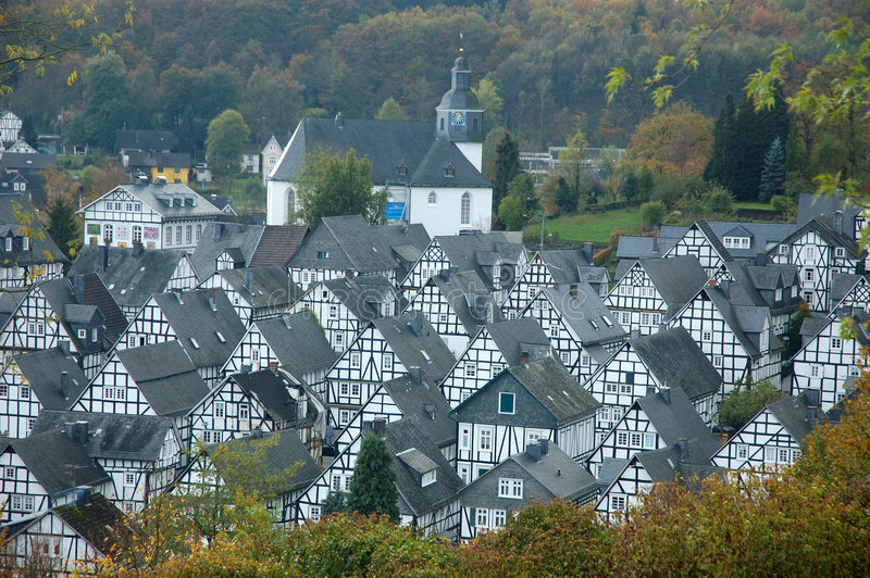 freudenberggermany timrade half hus traditionellt royaltyfri fotografi