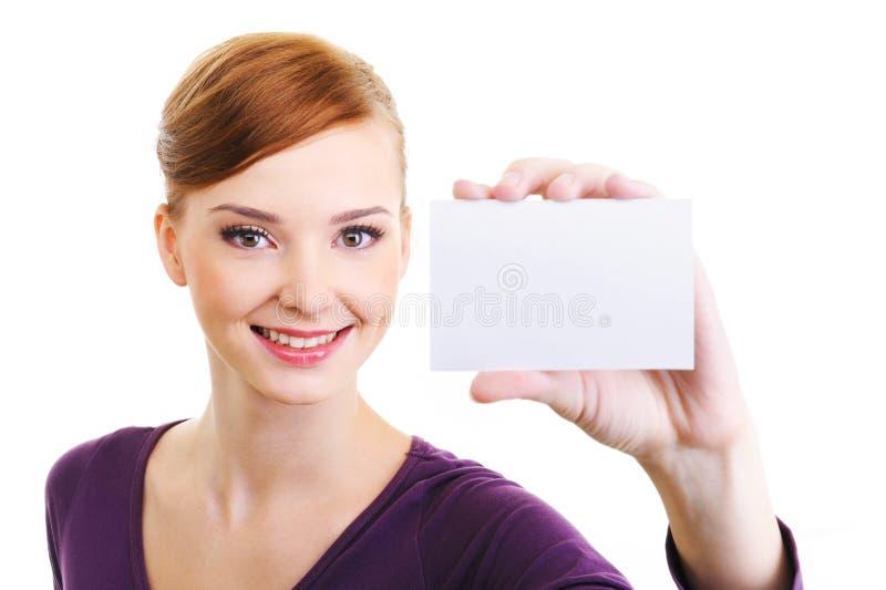 Freudenfrau Mit Unbelegter Kleiner Karte In Der Hand Stockbilder
