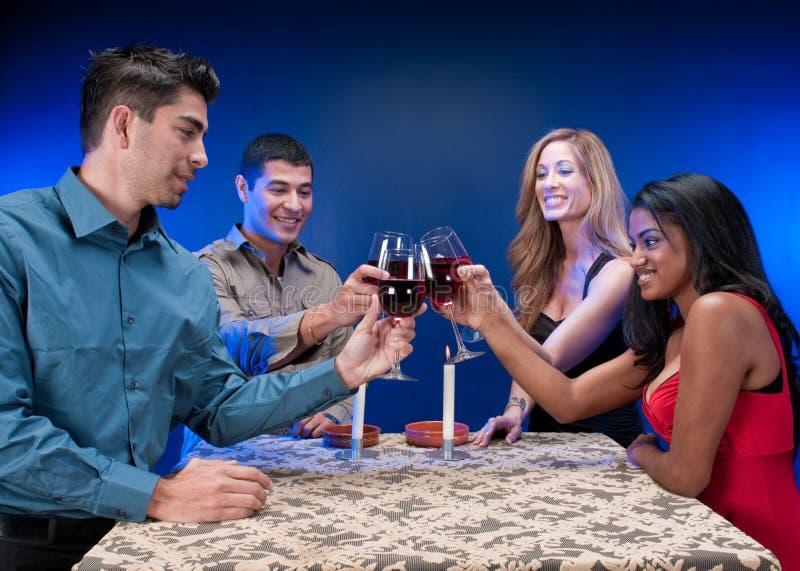 Freunde und Party lizenzfreies stockfoto