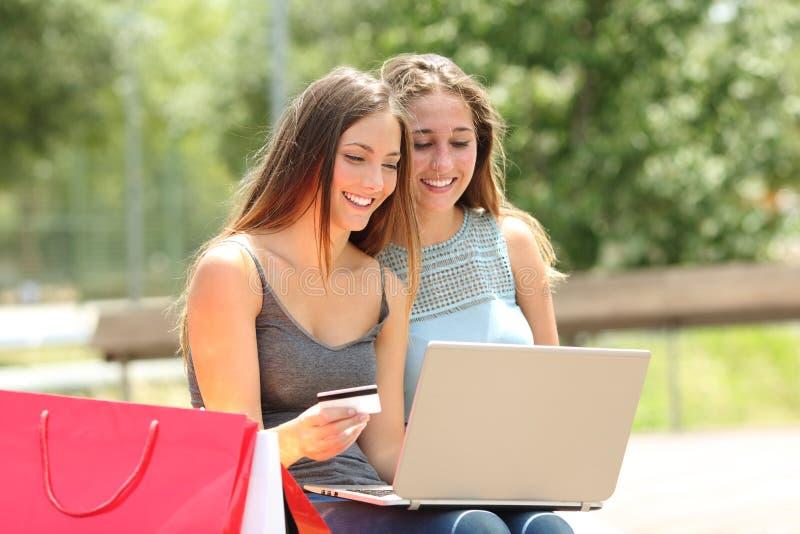 Online Mit Kreditkarte Zahlen