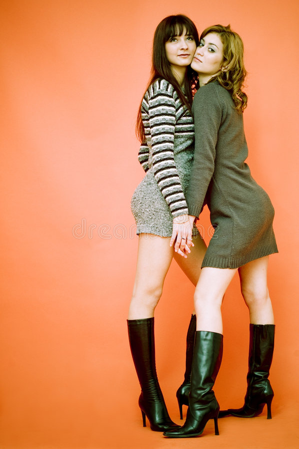 Freundliche junge Frauen lizenzfreies stockfoto