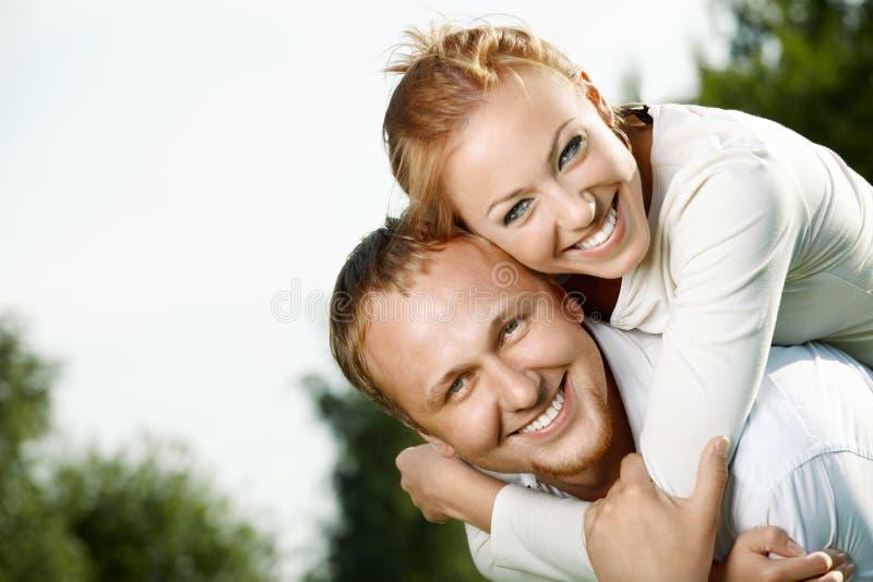 Freundliche Paare lizenzfreies stockbild