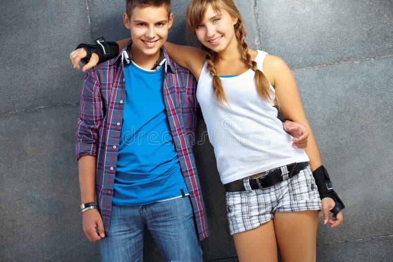 Freundlicher Teenager lizenzfreie stockbilder