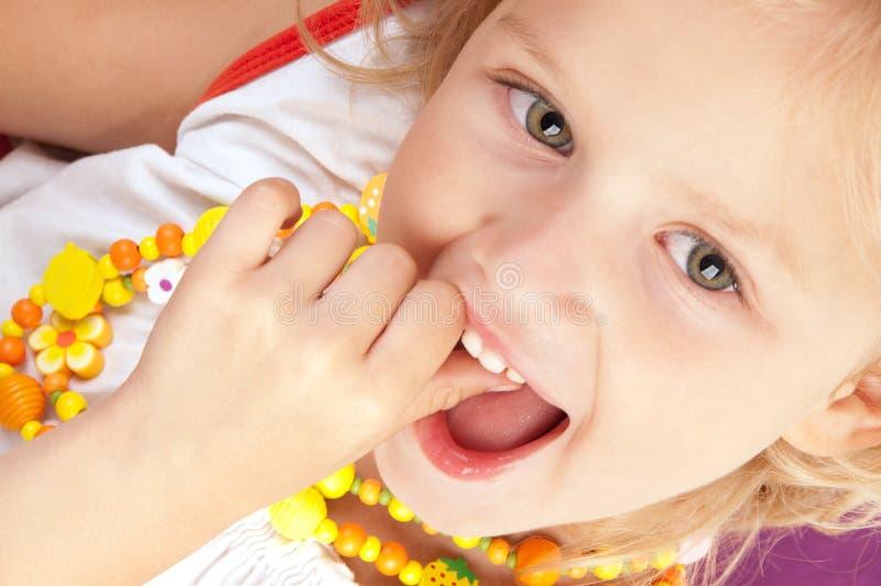 Freundliches kleines Mädchen stockbilder