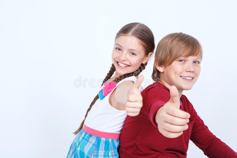 Freundschaft Zwischen Jungen Und Mädchen Stockbild - Bild