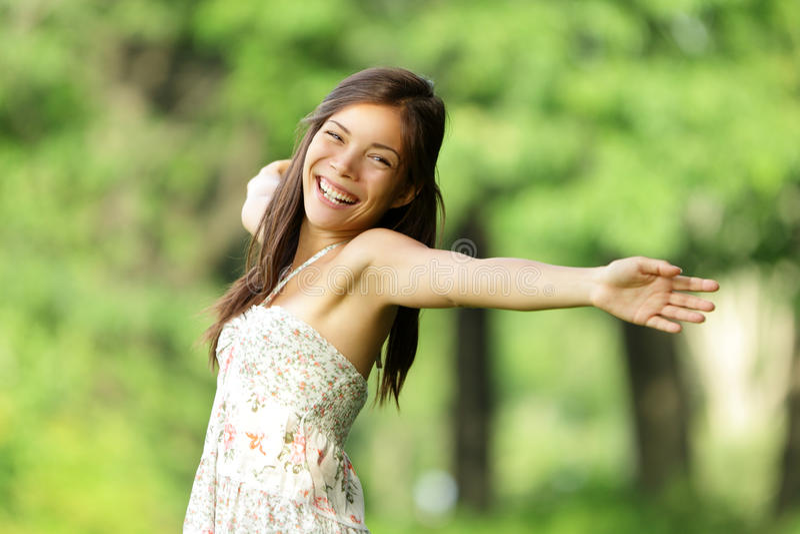 fri lycklig kvinna royaltyfri foto
