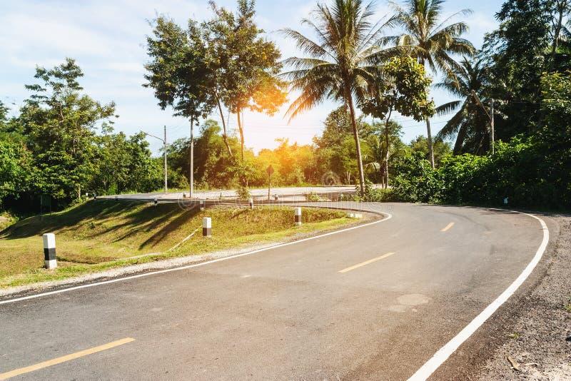 Fri väg med over ljus solen fotografering för bildbyråer