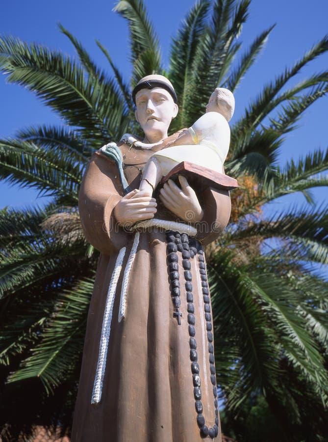 Friar αποστολής Καλιφόρνιας με το παιδί στοκ εικόνες με δικαίωμα ελεύθερης χρήσης