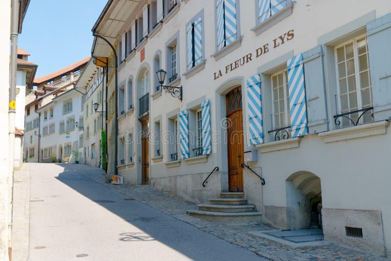 Fribourg, franc/Suisse - 30 mai 2019 : vue de la pension historique d'Auberge de la Fleur-de-Lys dans la vieille ville de Fribour photographie stock