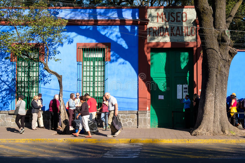 Frida Kahlo Museum in Coyoacan in Mexico-City stock foto