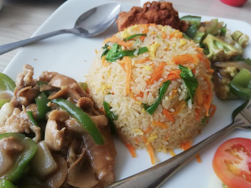 Fride ris i dhaka arkivbilder