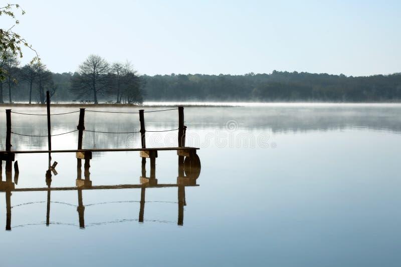 fridfull lake royaltyfria bilder