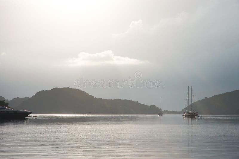 Fridfull silverseascape i Kroatien royaltyfri foto