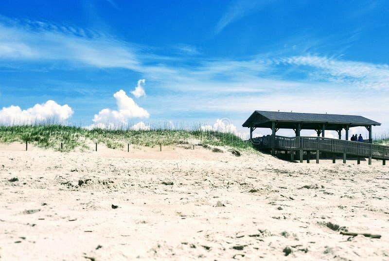 Fridsam dag på stranden arkivfoton