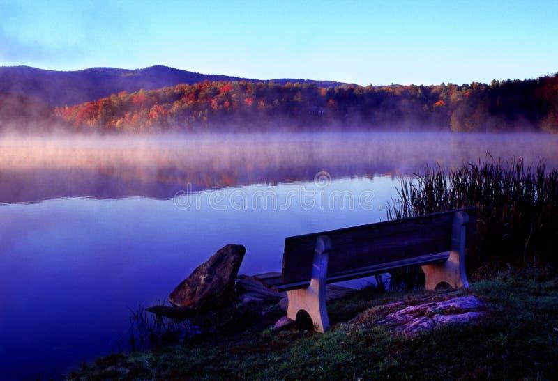 fridsam morgon arkivfoton