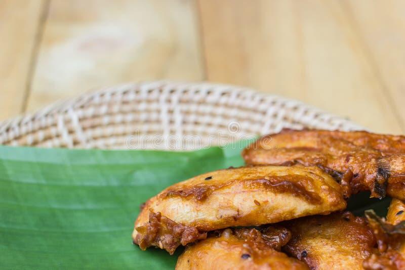 Download Fried Banana Avec La Feuille De Banane Image stock - Image du inde, nourriture: 45368091