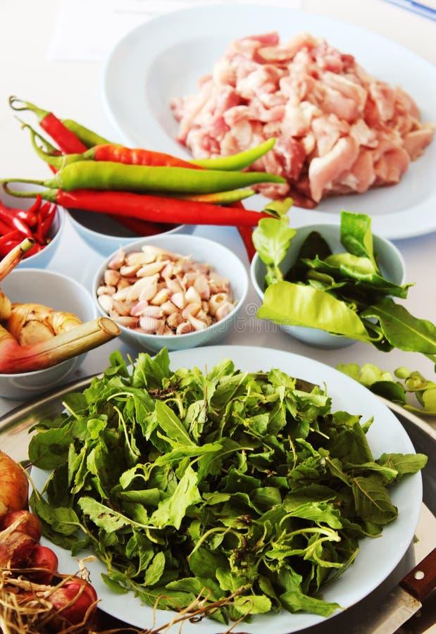 Fried Basil Várias ervas e especiarias foto Alimento tailandês - fritada #6 do Stir ilustração stock