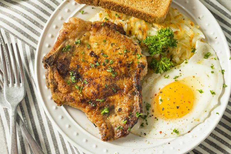 Fried Breakfast Pork Chops casalingo immagine stock