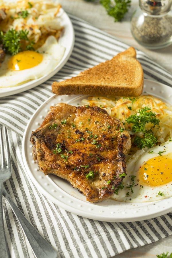 Fried Breakfast Pork Chops fait maison images libres de droits