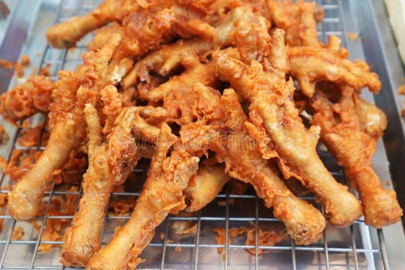 Fried Chicken Feet profundo curruscante fotos de archivo