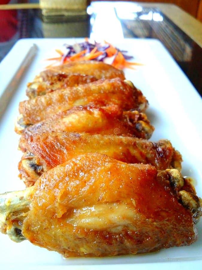 Fried Chicken med fisksås arkivbild