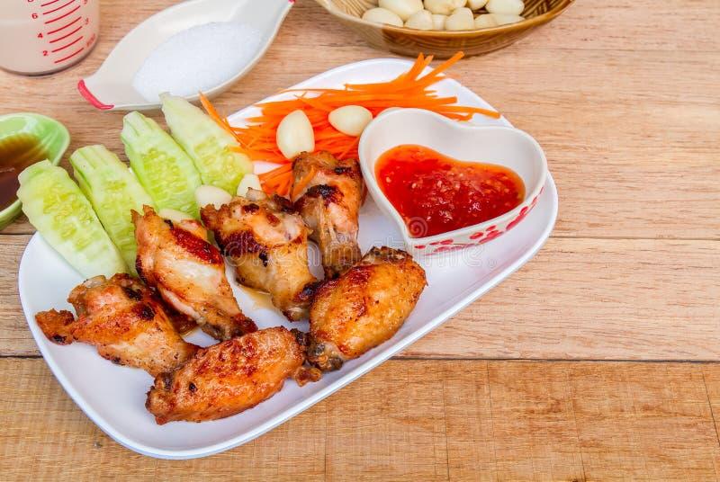 Fried Chicken med fisksås royaltyfri bild