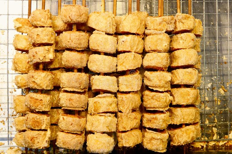 Fried Chicken Roll ou Hoi Jo profundo, alimento tailandês fotografia de stock
